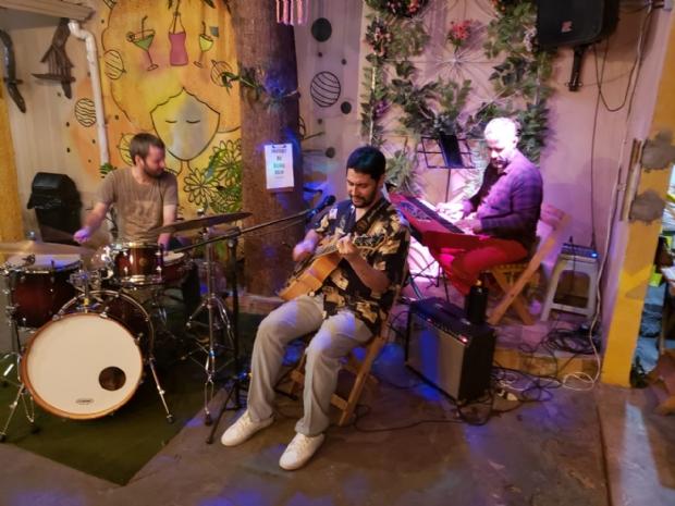 Pedro e seu trio