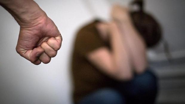 Homem agride e enforca namorada que se recusou a fazer sexo