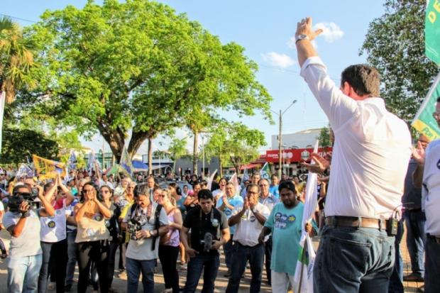 Fávaro recebe apoio da população de Cáceres e Pontes e Lacerda