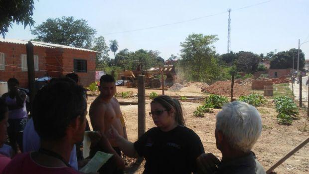Casas são demolidas e morador é preso durante desocupação em Cuiabá;  veja fotos