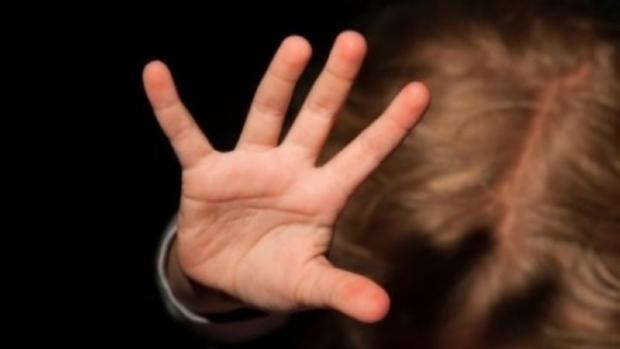 Pastor é preso após estuprar menina de 3 anos em culto