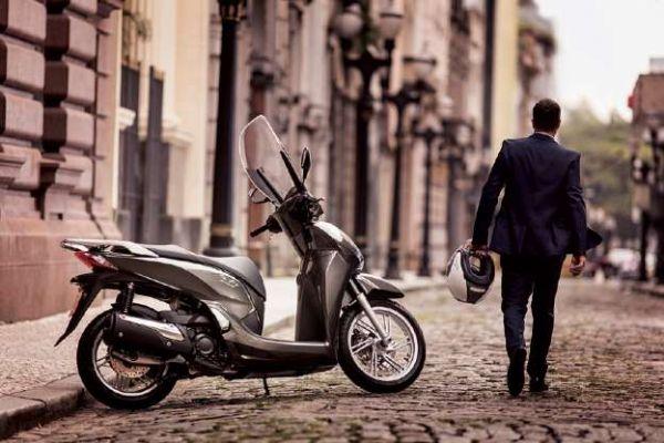 Melhor scooter da Europa chega ao Brasil