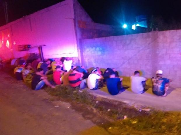 Polícia Militar encerra aglomeração em festa no CPA e prende três