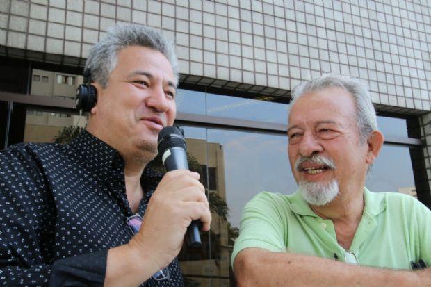 Oliveira Júnior e Orlando Antunes, pai e filho, duas gerações dedicadas ao rádio esportivo de Mato Grosso
