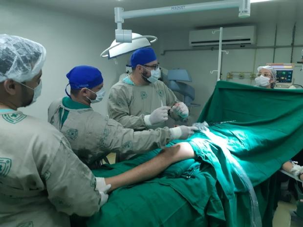 HG faz cirurgia inédita em Cuiabá para tratar de tumor ósseo em jovem