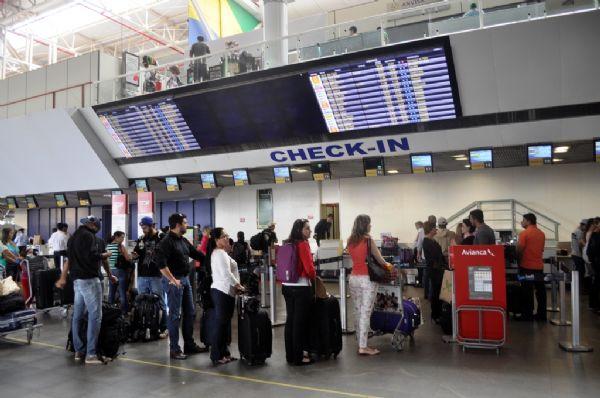 Infraero estima que 550 mil passageiros devem passar pelo aeroporto de Cuiabá na alta temporada; redução de 5%