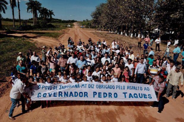 Pedro Taques recebeu homenagem da comunidade de Japurunã