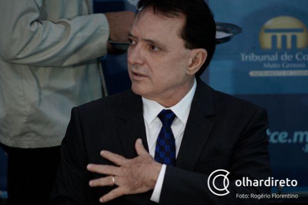 Antonio Joaquim vai à Justiça para obrigar governador a assinar sua aposentadoria