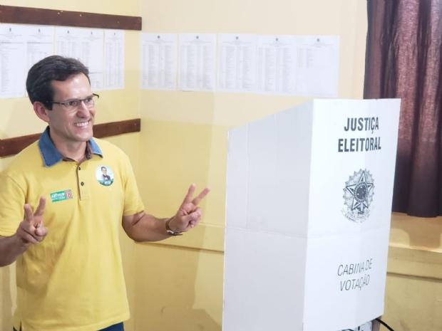Arthur Nogueira reafirma comprometimento com a democracia durante votação