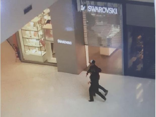 5e7e399434e  Bandidos invadem joalheria Vivara no Shopping Goiabeiras e um morre após  troca de tiros com