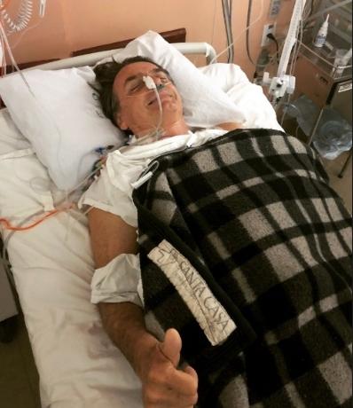 Hospital afirma que Jair Bolsonaro permanece estável e será transferido de leito
