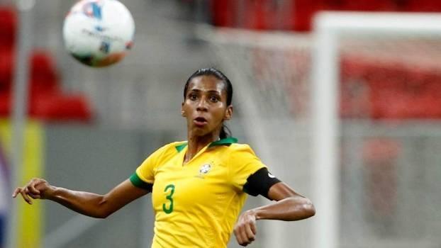 Atleta cuiabana participa da primeira vitória do Brasil no futebol feminino em Tóquio