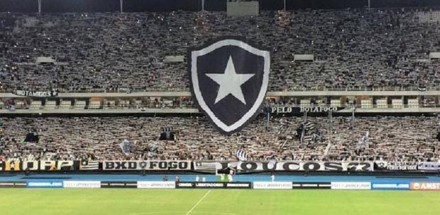 Com gol de bicicleta, Botafogo vence estreia complicada contra o Estudiantes na Libertadores