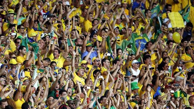 Governo decreta ponto facultativo e horário reduzido em dias de jogos do Brasil