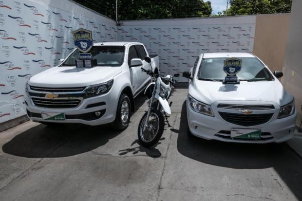 Peladão premia vencedores com caminhonete avaliada em R$ 90 mil, carro e motocicleta
