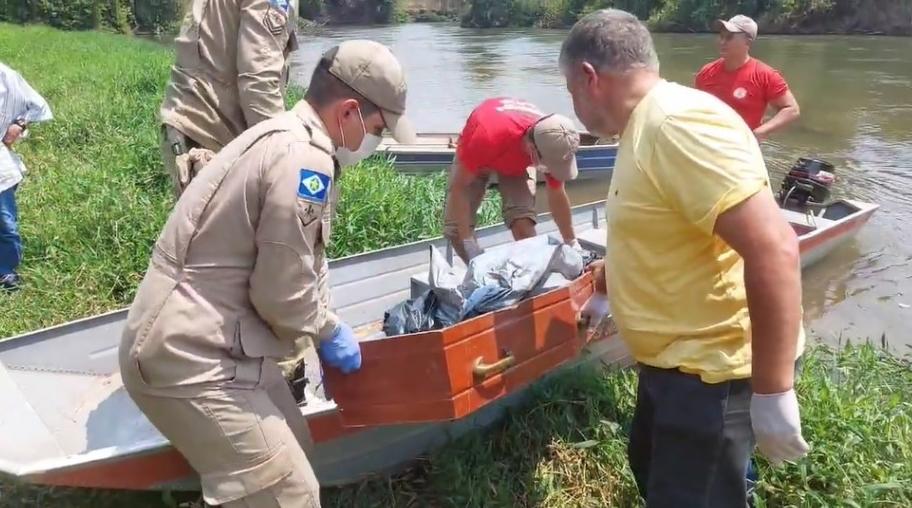 Cadáver de homem é encontrado por pescadores boiando às margens do Rio Guaporé