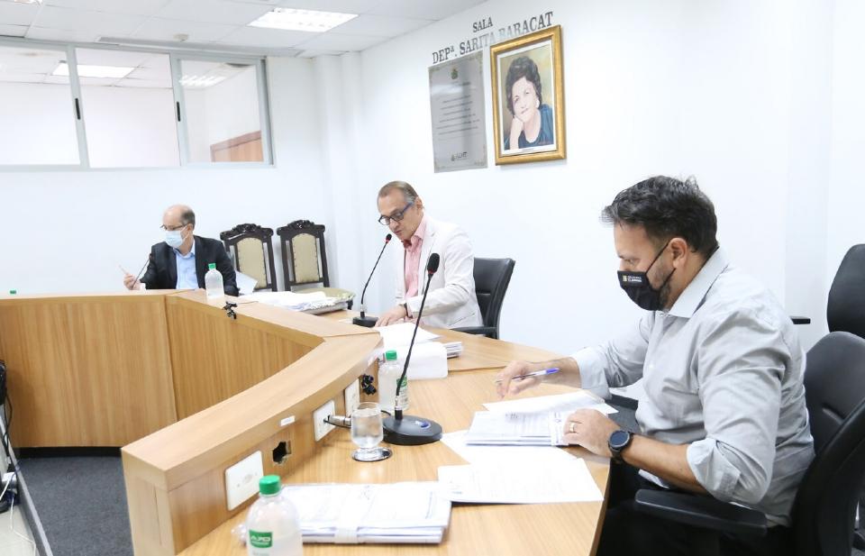 Comissão aprova emenda que aumenta de 5,05% para 6,05% o RGA dos servidores em 2022