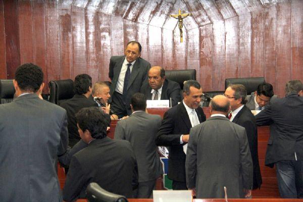 """PTB reconhece """"estar governo"""", mas não possui cargos no governo Taques nem na Prefeitura de Cuiabá"""