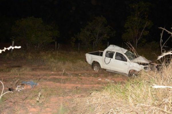 Caminhonete de suplente de vereador capotou em rodovia estadual e um dos bandidos morreu