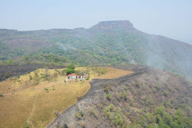 Incêndio na Chapada atinge 2.700 hectares mas Circuito das Cachoeiras é reaberto;  fotos e vídeos