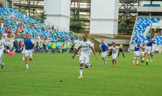 Empurrado pelo maior público do ano na Arena Pantanal, Cuiabá vence o Luverdense e vai à final