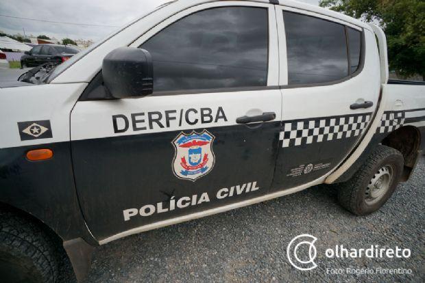 Jovem e menor são detidos apontados como autores de roubo de Corolla