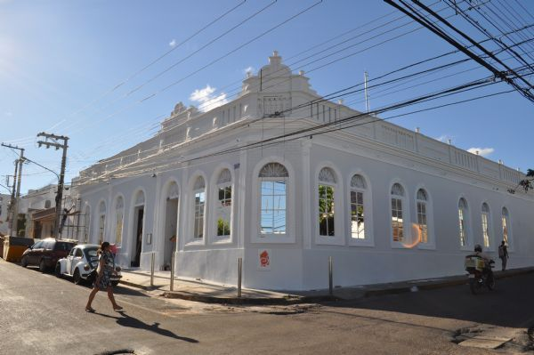 Dois são presos após se envolverem em briga em boate de Cuiabá