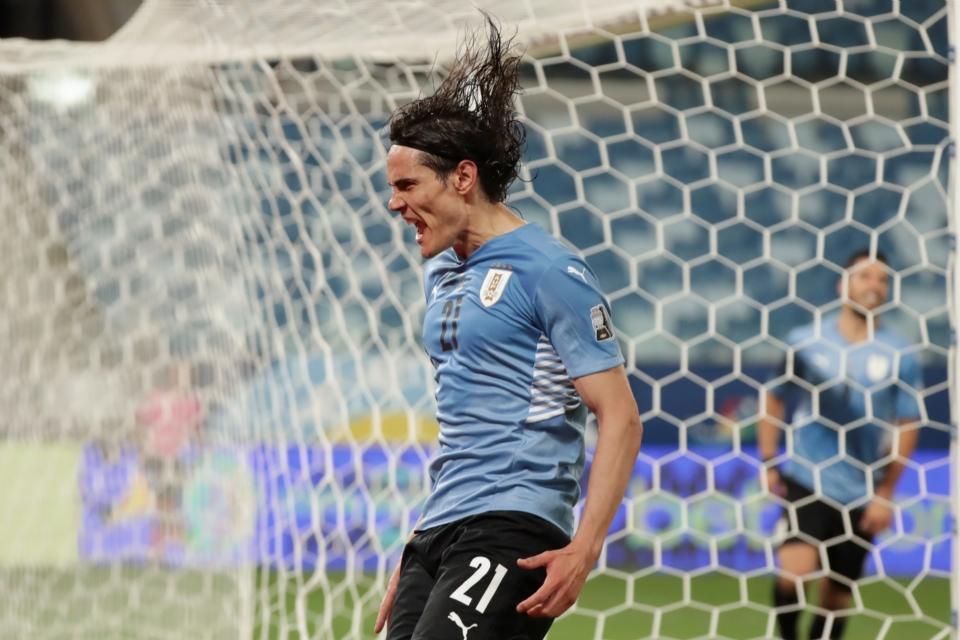 Suárez quase faz gol antológico, Cavani marca e Uruguai derrota a Bolívia na Arena Pantanal;  Veja os lances e gols