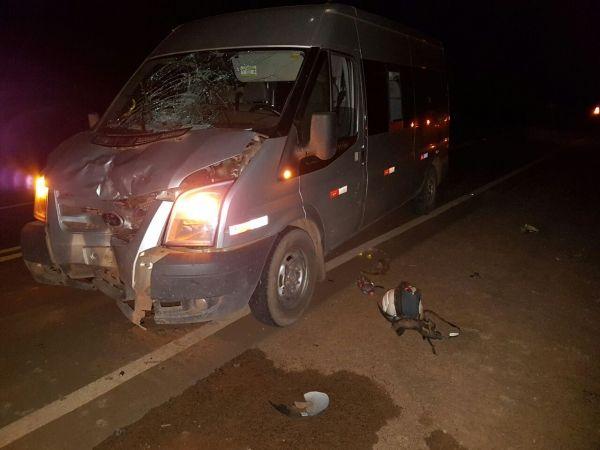 Motociclista morre em Mato Grosso após colisão frontal com Van na BR-163