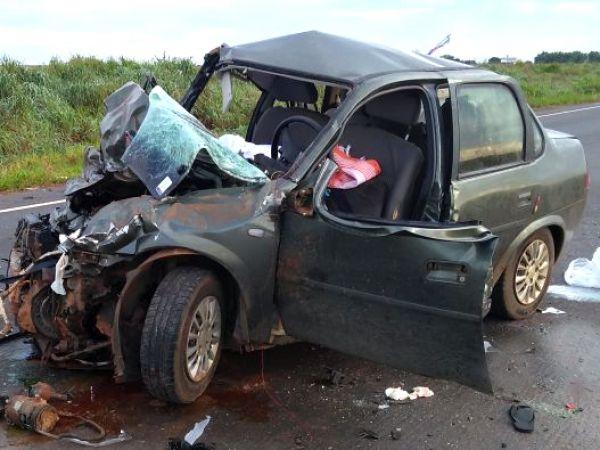 Mulher morre e dois ficam feridos após colisão frontal entre S10 e Corsa em rodovia de MT; fotos