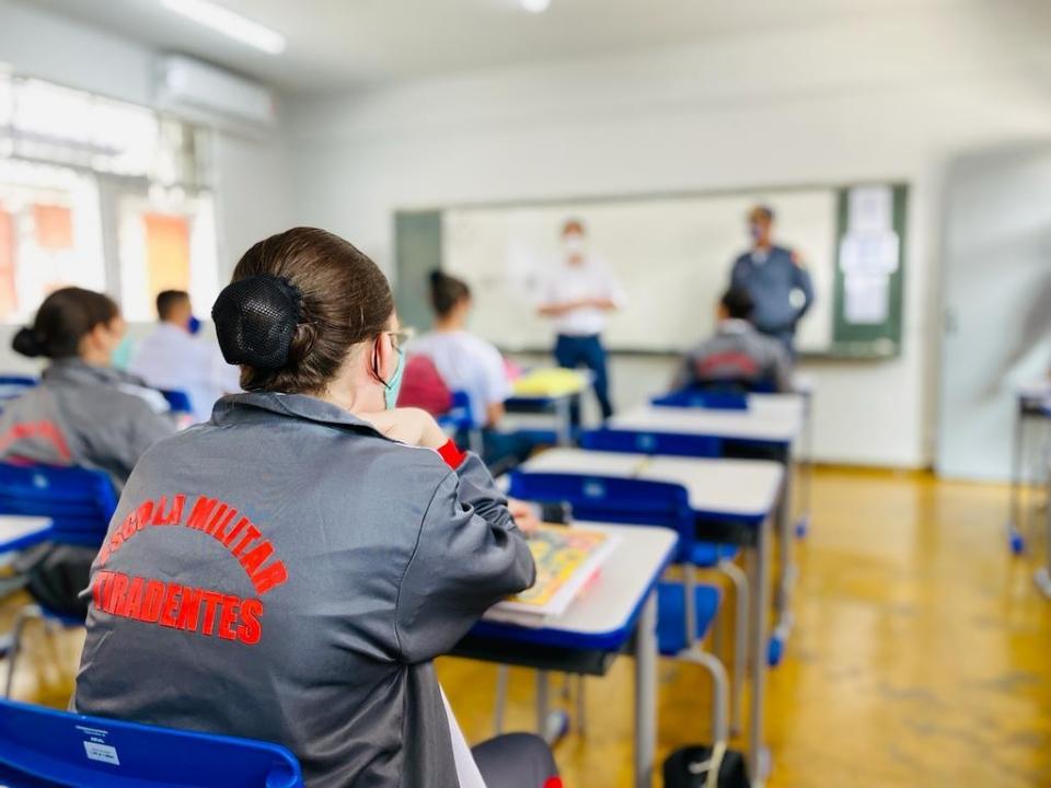 Governo abre inscrições para processo seletivo em cinco Escolas Estaduais Tiradentes