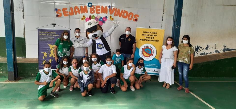 Polícia Comunitária promove atividades educativas e recreativas para 80 alunos de escola municipal de Cuiabá
