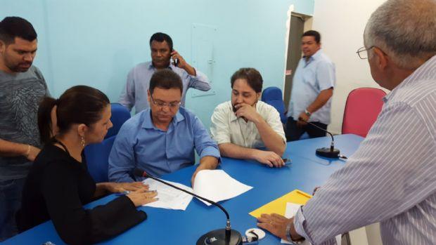 Eduardo Botelho recebe líderes de Diamantino que reivindicam reunião com o governo para discutir a saúde