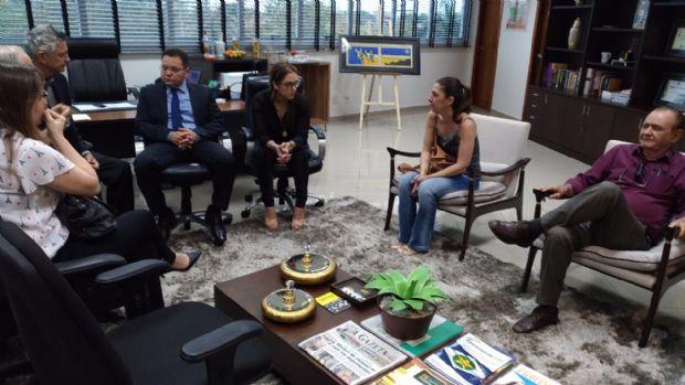 Eduardo Botelho em reunião com dirigentes da Federação dos Hospitais Filantrópicos de Mato Grosso