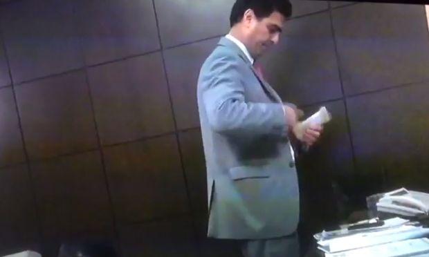 Jornal Nacional mostra vídeo em que Emanuel Pinheiro e deputados aparecem recebendo mensalinho