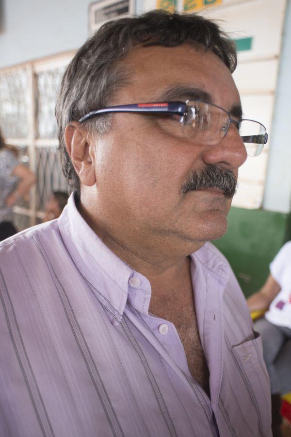 Prefeito Filemon Limoeiro retirou seus bens, mas defende resistência de moradores