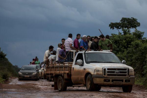 Moradores de Suiá Missú fazem 'caçada' a policiais; fazendeiros dizem que foi à revelia