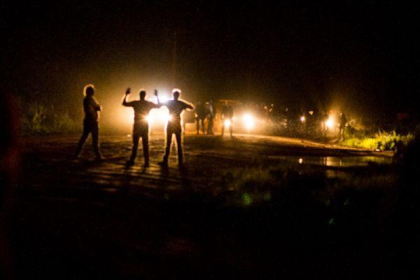 Segund encontro entre manifestantes e policiais acontece na BR 080 durante a noite