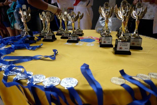 Escola realiza competições de soletrando, tabuando e Olimpíadas de Matemática