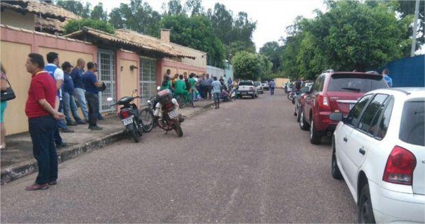 Servidores dos Correios protestam contra insalubridade após morte de colega por