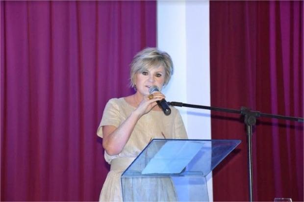Pré-candidata ao Senado se diz preparada para desafio e critica fundo proposto por Taques