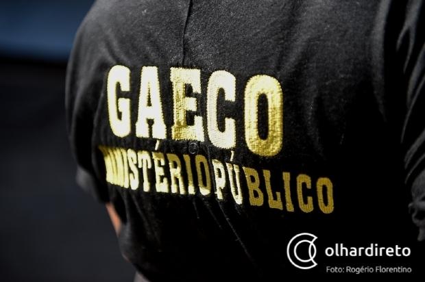 Jovem com uniformes, distintivos e armas da PJC morre em confronto com o Gaeco
