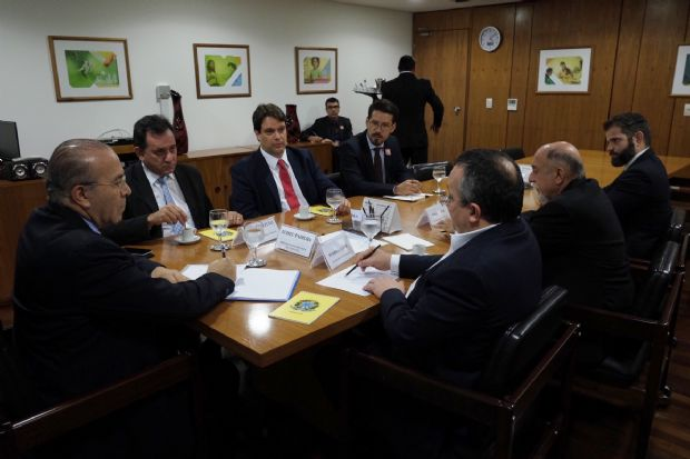 Despesa de pessoal e déficit previdenciário de Mato Grosso preocupam equipe de Temer e Bird