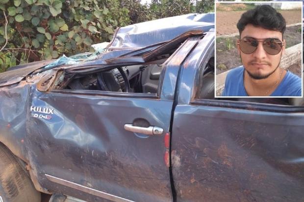 Filho de ex-vereador morre em capotamento; irmã e amigos ficam feridos