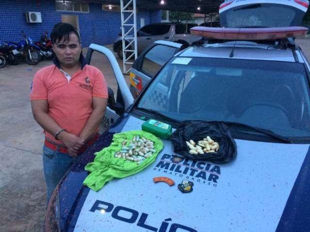 Boliviano é preso com cápsulas de pasta base no estômago