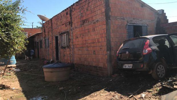 Polícia Judiciária encontra Pálio roubado, arma e drogas no bairro Dr. Fábio