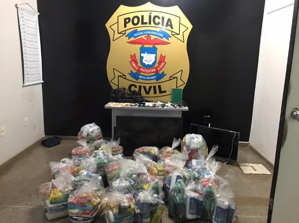 Membros do Comando Vermelho são presos com drogas e cestas básicas