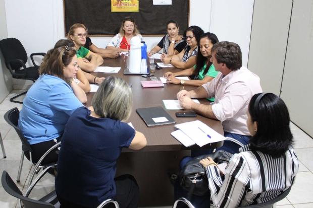 Conselho Municipal dos Direitos da Mulher empossa nova diretoria