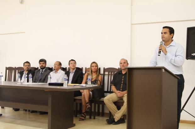 Estudantes de Cáceres recebem bolsas para estudar medicina na Bolívia