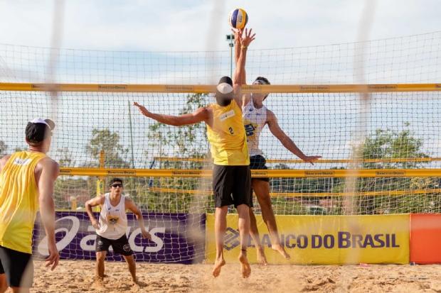 Circuito Brasileiro de Vôlei de praia em Cuiabá conta com jogos da fase classificatória